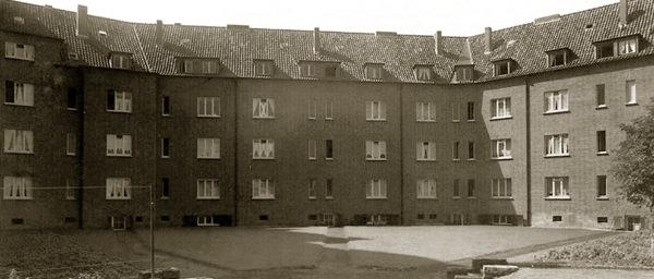 Bis 1945 steigt die Bedeutung der AWG für Krefeld – dann unterbricht der Krieg die Bauphase.